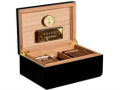 Хьюмидор Аdorini Carrara L black Deluxe на 150 сигар