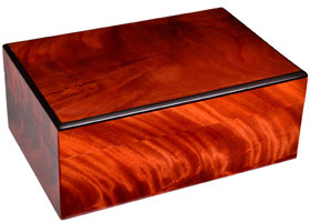 Хьюмидор Gentili на 30 сигар H03-Piuma Красное дерево