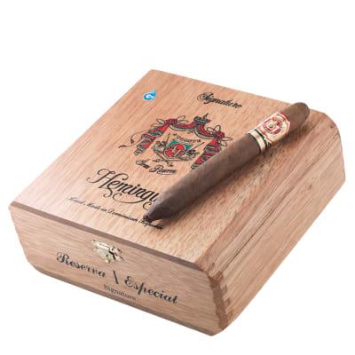Сигары Arturo Fuente Hemingway Signature вид 3