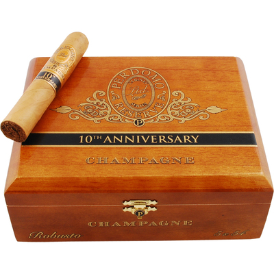 Сигары  Perdomo 10th Anniversary Champagne Robusto вид 2