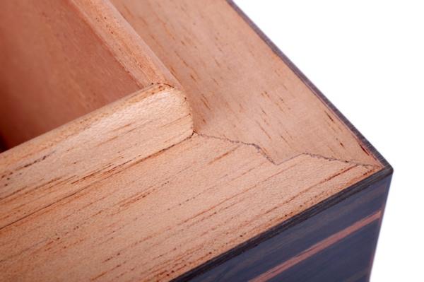 Хьюмидор Howard Miller на 50 сигар Желтое Эбеновое дерево 810-025 вид 5